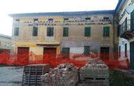 Terre del Reno (fe): a San Carlo i piccioni devastano i ruderi che si affacciano sulla piazza