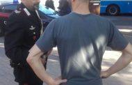 Cento (fe): nega una sigaretta a ragazzo marocchino e viene presa per il collo