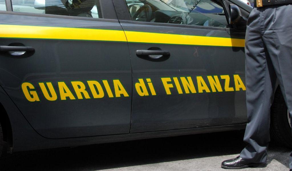 Il Concorso della Guardia di Finanza per assunzione n. 10 Tenenti ruolo tecnico-logistico-amministrativo