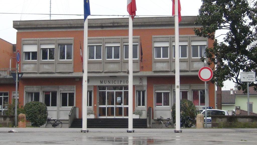 Vigarano Mainarda (Fe) - Si riunisce il consiglio comunale. Presenti solo alcuni organi di informazione