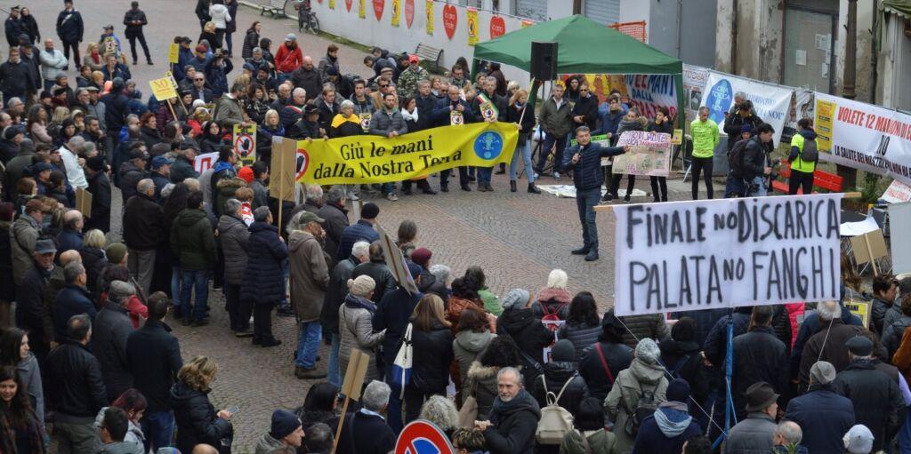 Finale Emilia (Mo): Discarica - i cittadini chiedono giustizia e verità