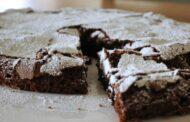Ostellato (fe): Porta in dono una torta