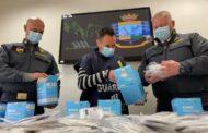 Ferrara: La G.d.F. sequestra oltre 3000 mascherine FFP2