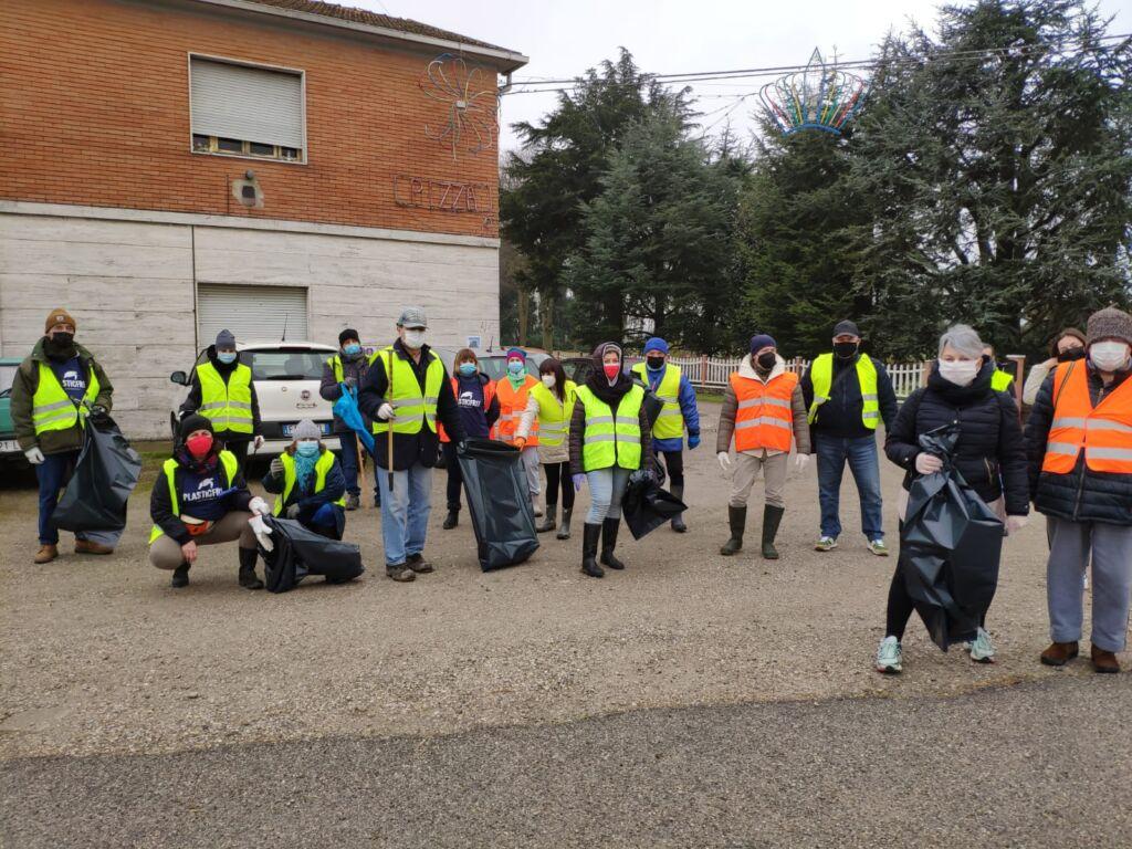 Bondeno (fe): il Gruppo Plastic Free replica